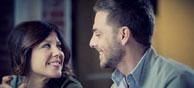 Körpersprache beim Flirten: So punkten Sie beim ersten Date mit Ihrem Auftreten