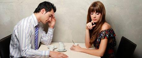 Wie die Kommunikation beim ersten Date in Schwung bleibt